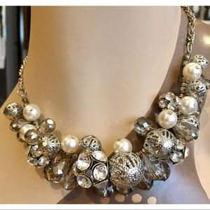 NWT Simply Vera Wang Beaded Statement Necklace